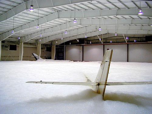 Centro de Estudios Aeronáuticos te informa de algunas curiosidades aeronáuticas: ¿Por qué se lavan los aviones?
