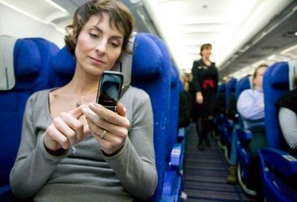 En CEAE te ponemos al día : la unión europea abre la puerta al uso de tabletas y smartphones durante todo el trayecto de los aviones