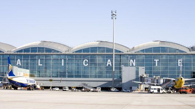 El Aeropuerto de Alicante-Elche registra 1.018.755 pasajeros en abril