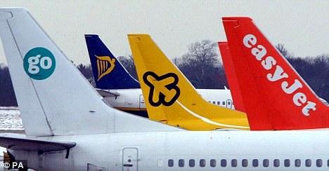 Las aerolíneas lowcost Ryanair, Easyjet y Vueling se imponen a las convencionales en Barcelona y Alicante
