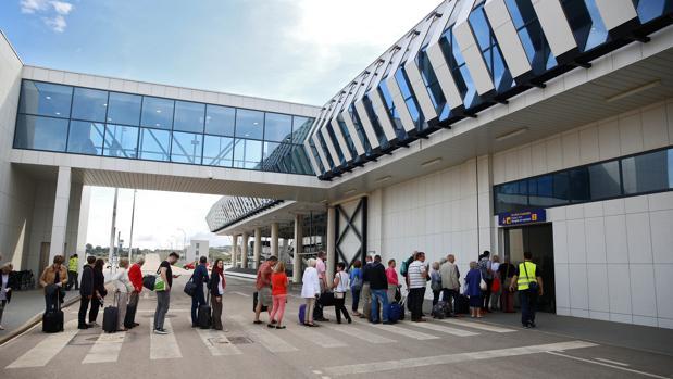 El aeropuerto de Castellón consigue 105000 pasajeros durante el año 2016