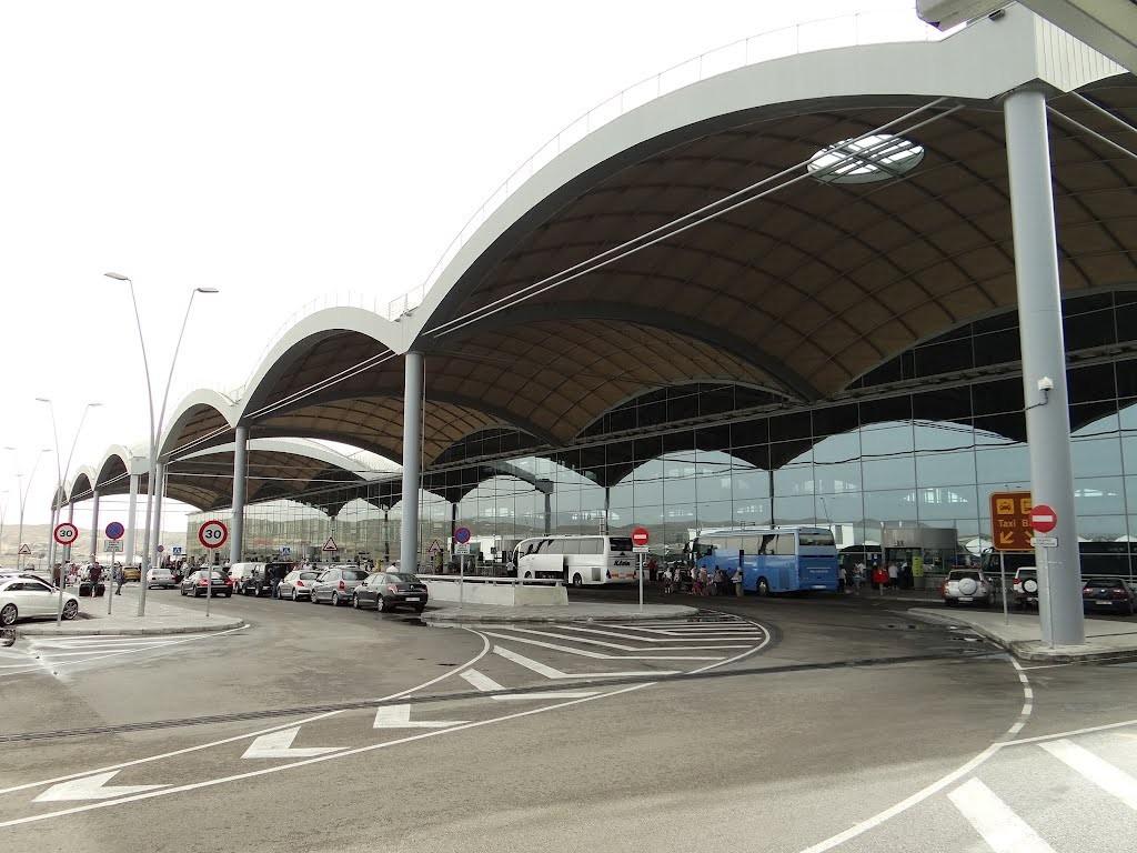 Nuevo récord en el aeropuerto de Alicante, que lo convierte en el quinto aeropuerto nacional en 2017