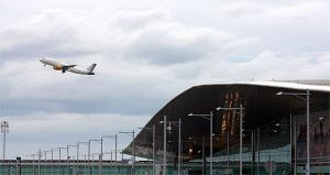 El aeropuerto de Barcelona cerró el año 2016 con más de 44 millones de pasajeros
