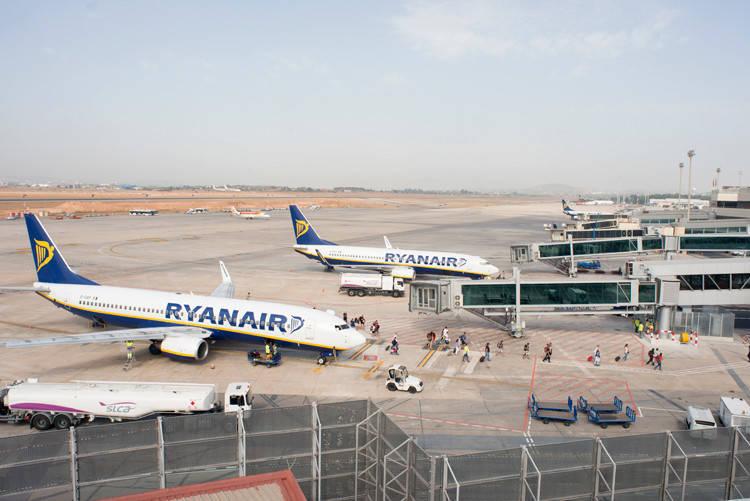 El aeropuerto de Valencia llega a casi 370000 pasajeros durante enero de 2017