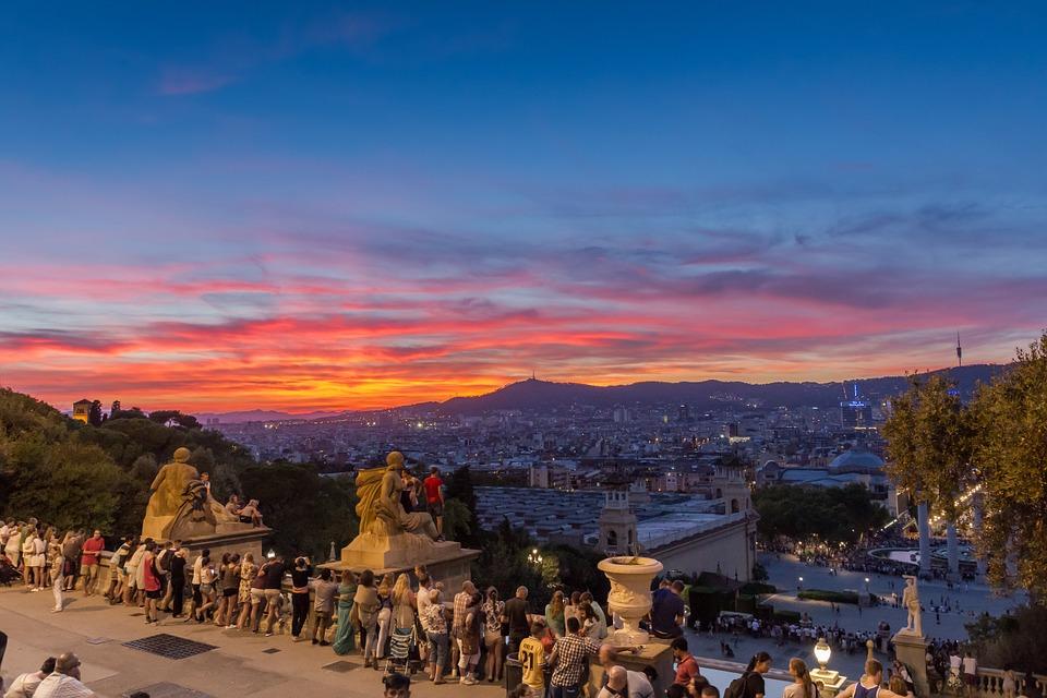 ¡Última llamada para verano de 2018! Nuevo curso auxiliar de vuelo TCP en Barcelona