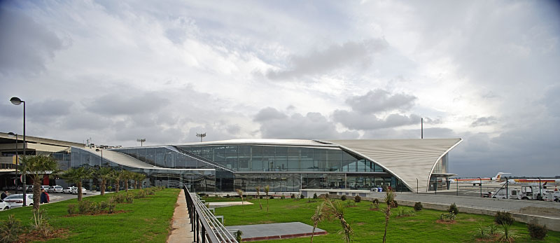 El aeropuerto de Valencia crece un 16,7% y el de Alicante un 12,9% durante junio de 2017