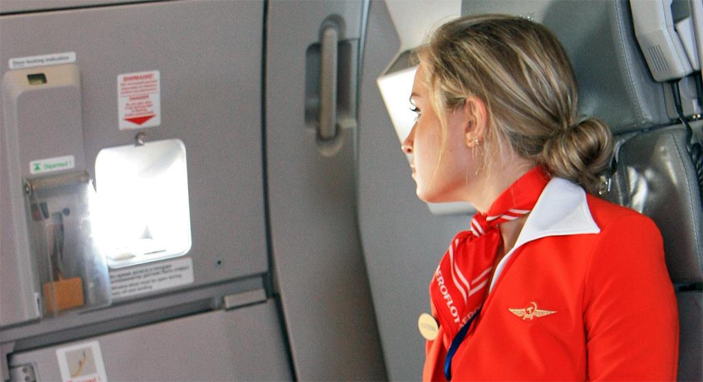 ¿En qué trabaja un auxiliar de vuelo?
