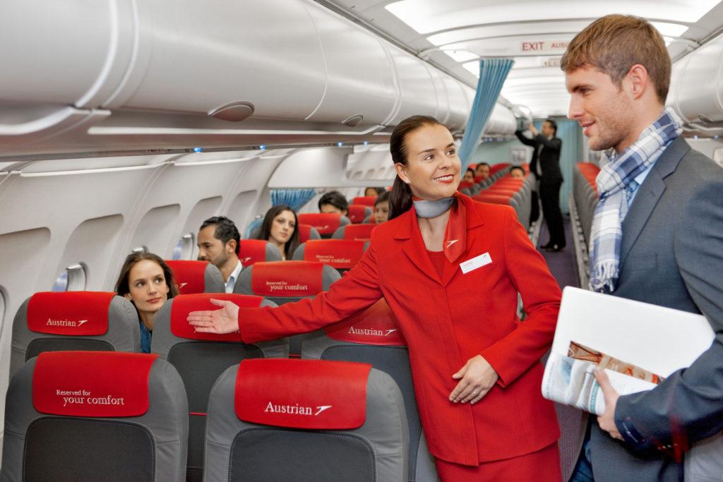 Bienvenida a los futuros auxiliares de vuelo en Alicante. ¡Hola, promoción 64T!