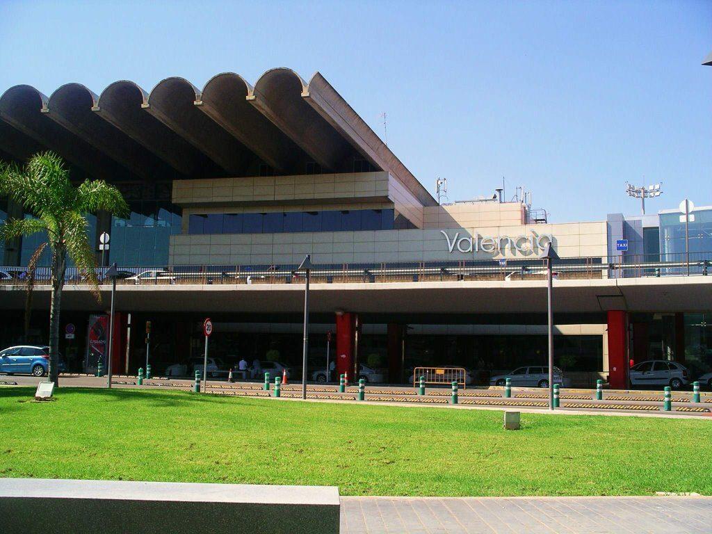El aeropuerto de Valencia registró 468.971 pasajeros en enero de 2018 y creció un 27,2%