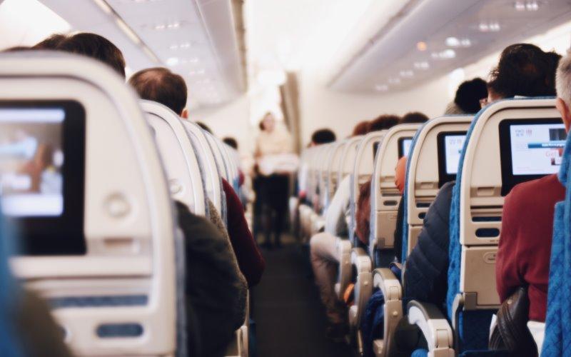 Nueva oferta de empleo para octubre de 2019: Iberia Express busca auxiliares de vuelo TCP en Málaga
