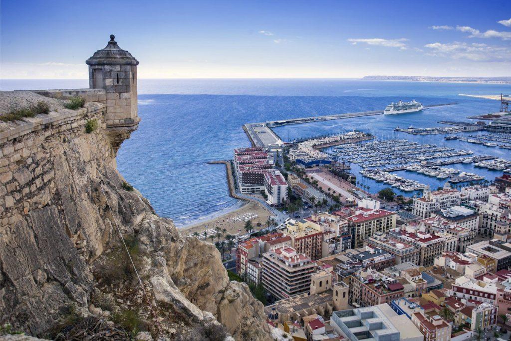 Nuevo curso TECA1 en nuestro centro de Alicante. ¡Fórmate para trabajar en el aeropuerto!