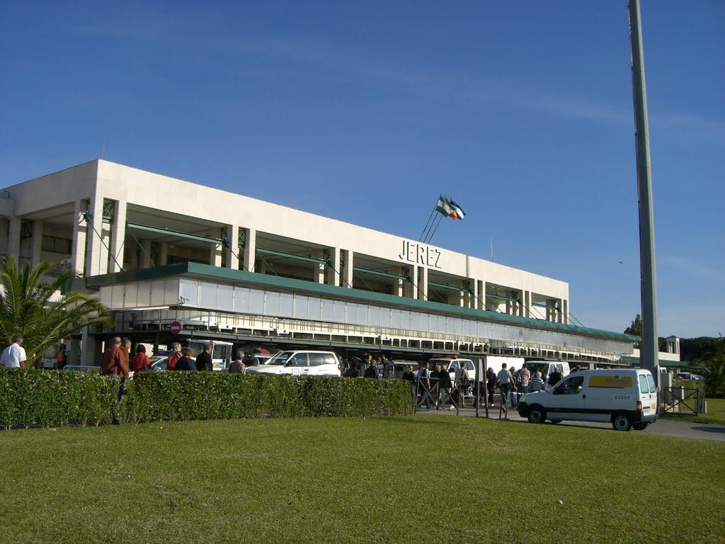 Enhorabuena a nuestros alumnos que trabajan en Jerez, que se convierte en el tercer aeropuerto más importante de Andalucía