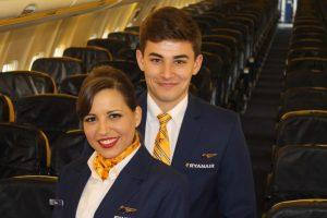 Oferta de empleo TCP para verano de 2019: Ryanair busca auxiliares de vuelo en Bilbao, Oviedo, Málaga, Vigo, Barcelona, Sevilla, Madrid y Murcia