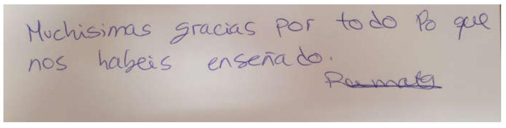 Nuestros alumnos de CEAE Bilbao firman en el Libro de Oro tras comenzar a trabajar como auxiliar de vuelo TCP